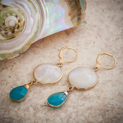 OCEAN WHITE RAINBOW MOONSTONE & BLUE QUARTZ DROP EARRING