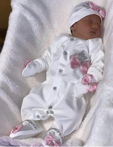 Itty bitty toes, itty bitty toes customers, customer reviews, itty bitty toes dresses, dress, princess dresses, children clothing, boy suits, first birthday, princess dress, customer review, IBT, communion dress, first birthday, flower girl, boy suits, baby set, newborn, onesie