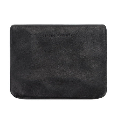 THE NORMA WALLET IN BLACK. 3