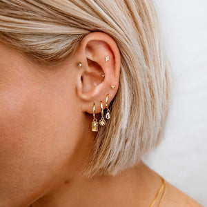 Load image into Gallery viewer, KIRSTIN ASH - STAR COIN HOOPS (18K-GOLD-PLATED)