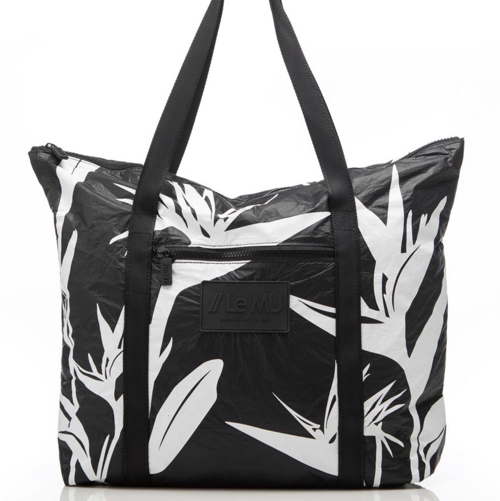 // Le MU - Zipper Tote // White Birds Of Paradise