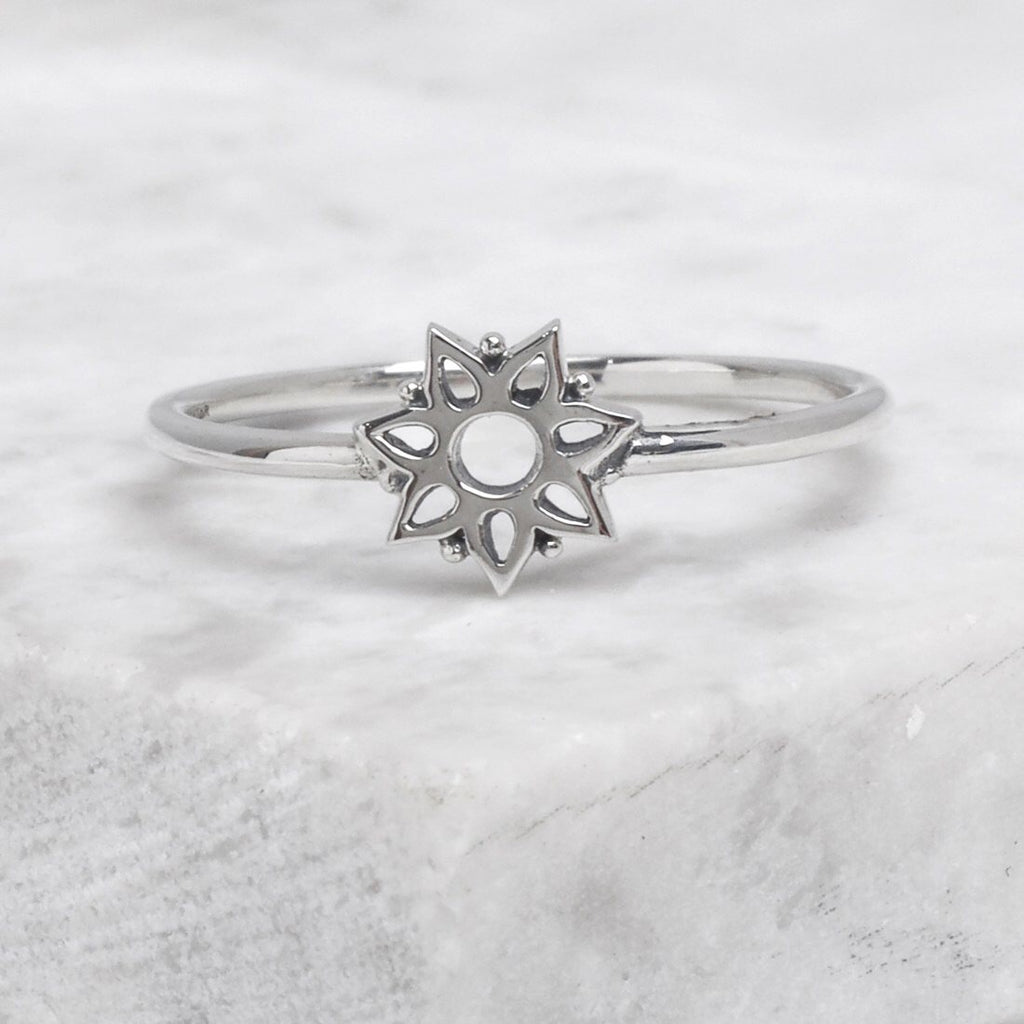 Midsummer Star - Winter Glimmer Ring