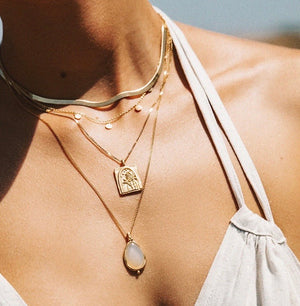 KIRSTIN ASH - TRAVEL STORIES NECKLACE 18K GOLD PLATED