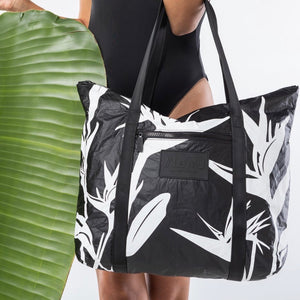 Load image into Gallery viewer, Le MU - Zipper Tote // White Birds Of Paradise