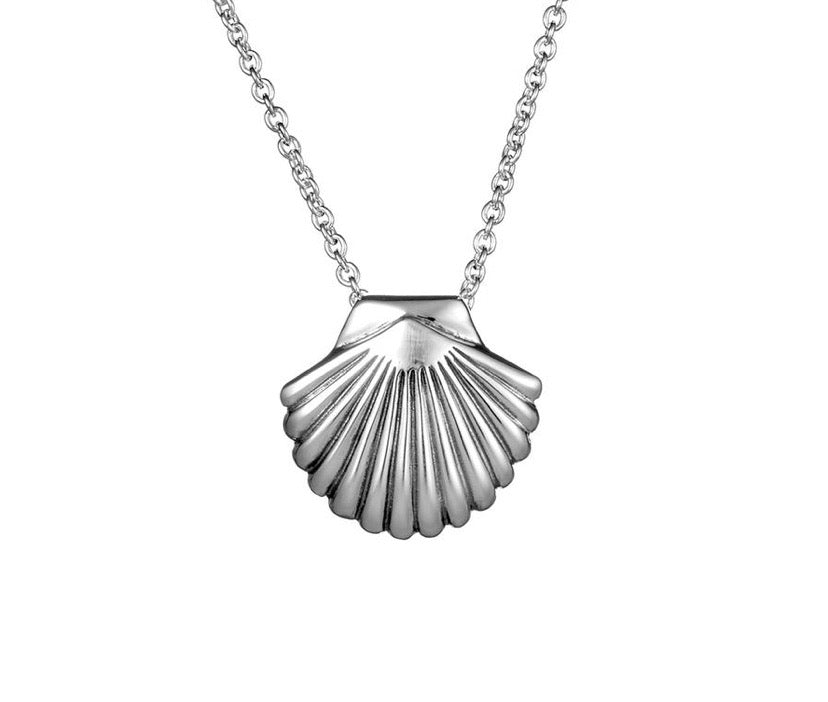 Load image into Gallery viewer, Midsummer Star - Seashell Necklace