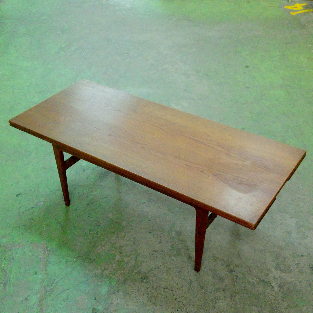 Rental - RENTAL_Mid century coffee table - Rental
