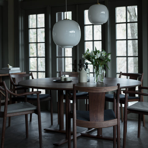 CHORUS Round Dining Table