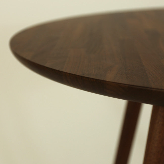 YT2 Round Dining Table
