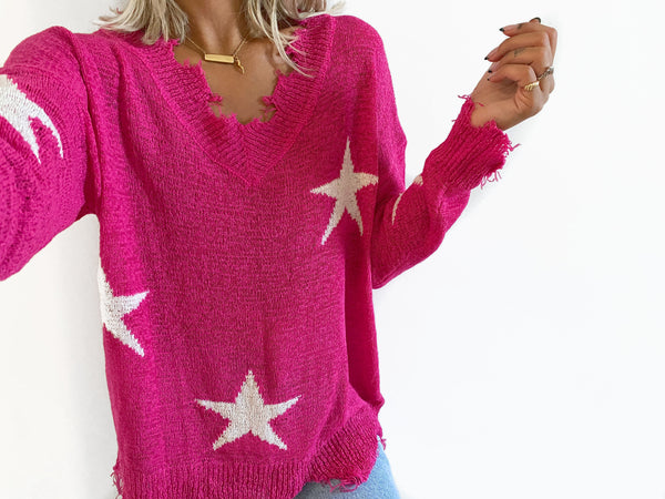 XENIA Distressed Star Print Sweater - Fuchisa