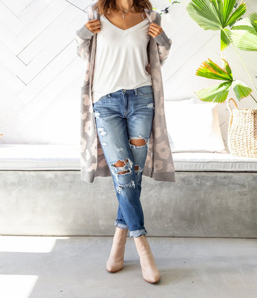ddd0a772083 KENDRICK Distressed Boyfriend Jeans (Pre-order) – Out With Audrey