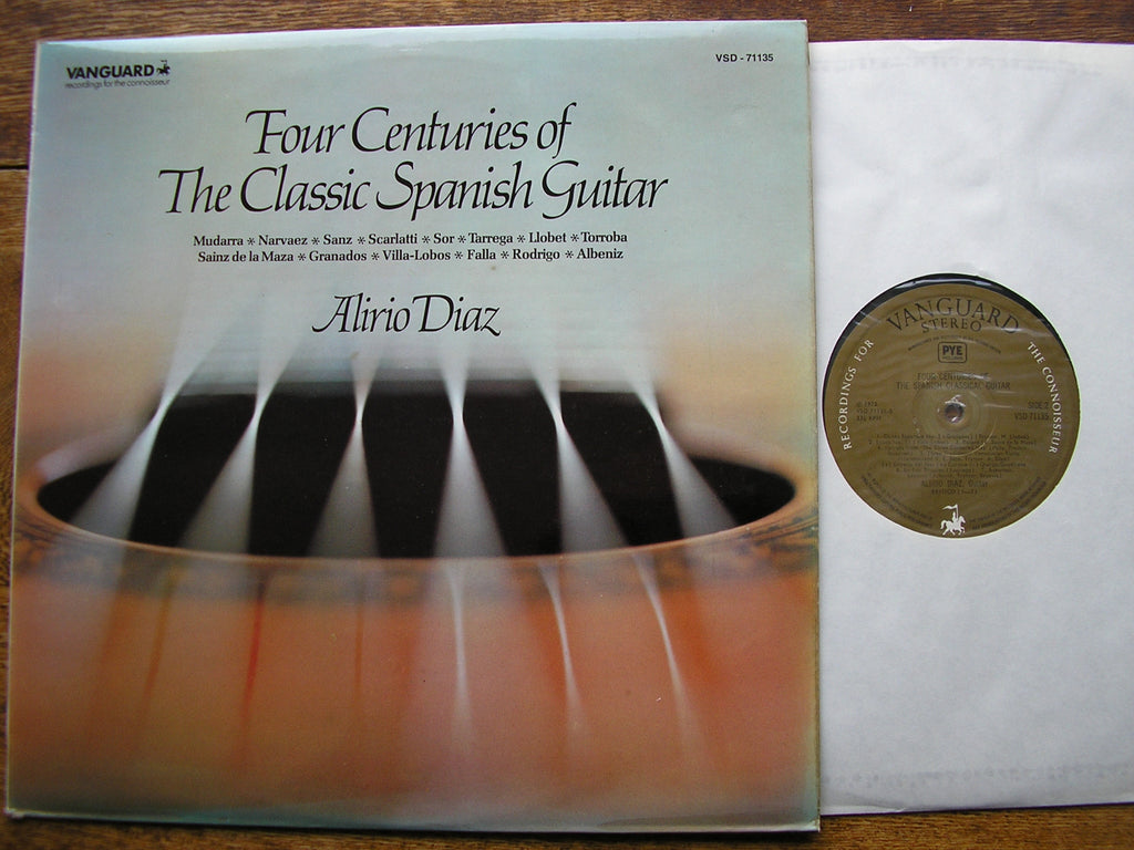 FOUR CENTURIES OF THE CLASSIC SPANISH GUITAR    ALIRIO DIAZ  VSD 71135