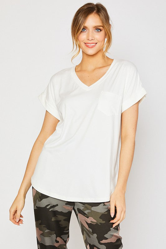 Essential Vneck pocket tee