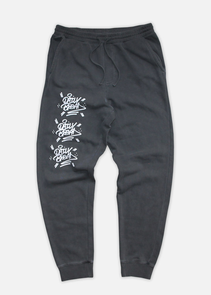 THE STACKED PIGMENT-DYED JOGGERS - BLACK