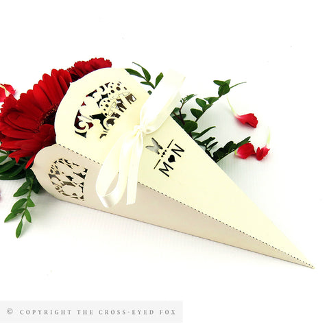 Alice in wonderland wedding confetti cone / sweet cone