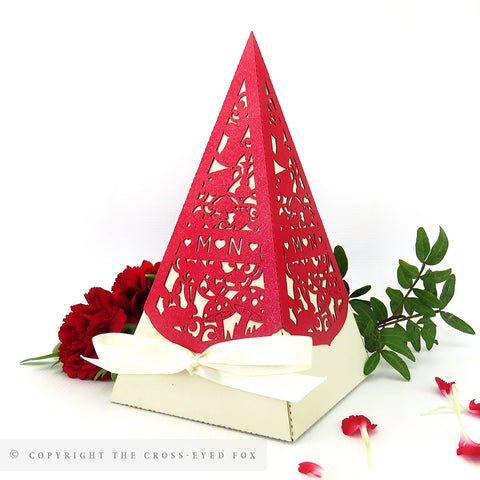 Alice in Wonderland Pyramid Personalised Favour Boxes