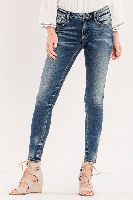Miss Me Women s Jean Chaser Mid-Rise Skinny Jeans  4f2466829