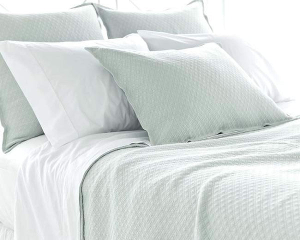 Pine Cone Hill Diamond Matelassé Coverlet in Ice