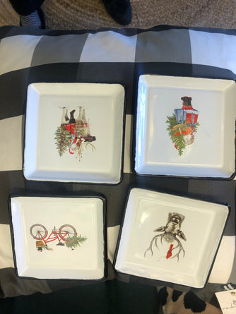 S/4 Old Fashioned Xmas Enamel Plates