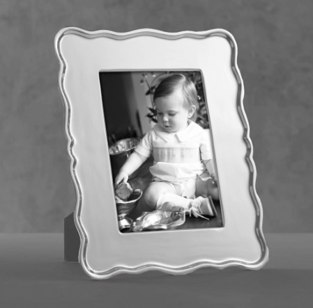 "Rea Scalloped 5"" x 7"" Frame"