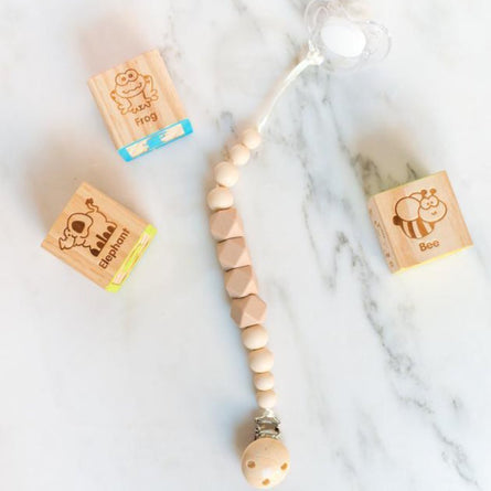 Pacifier Clip in Classic Ivory