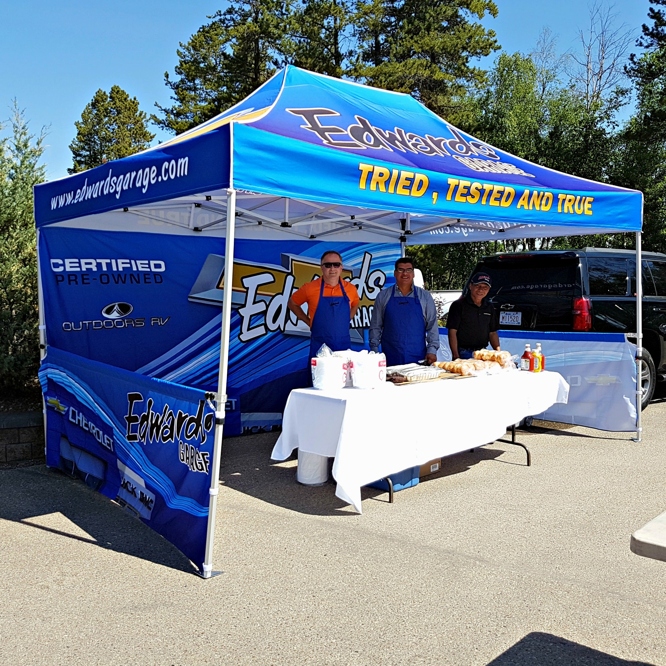 5 Things to Consider before Purchasing a Promotional Pop Up Canopy Tent