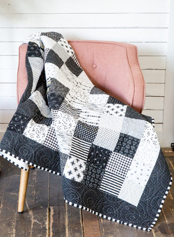 KIT (Quilt) 100 Block Scrapper Quilt in Black and White
