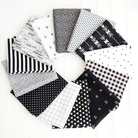 FABRIC (Fat Quarter Bundle): Black and White Fat Quarter Bundle Pack