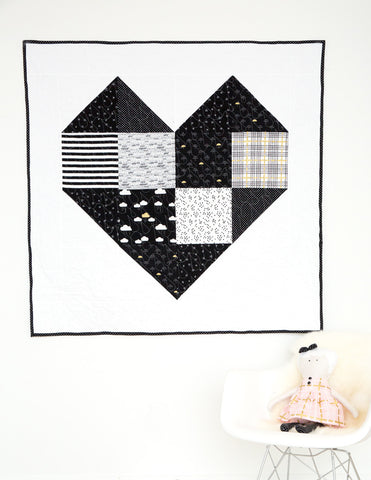 KIT (Quilt):  Baby/Toddler Heart Quilt Kit (Black, White, and Gold)