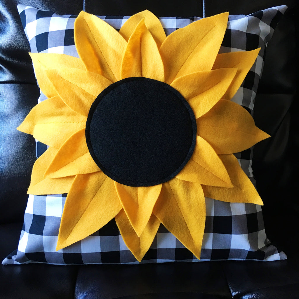 KIT (Pillow):  Sunflower Pillow Kit (Gingham)