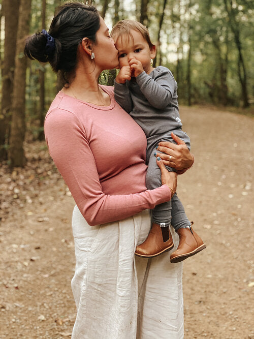 @appellnest - Tabitha Appell is a nature-loving mother of two pursuing joy and hygge. She's a talented photographer and is trying to raise her children with love and kindness toward all people and the planet.