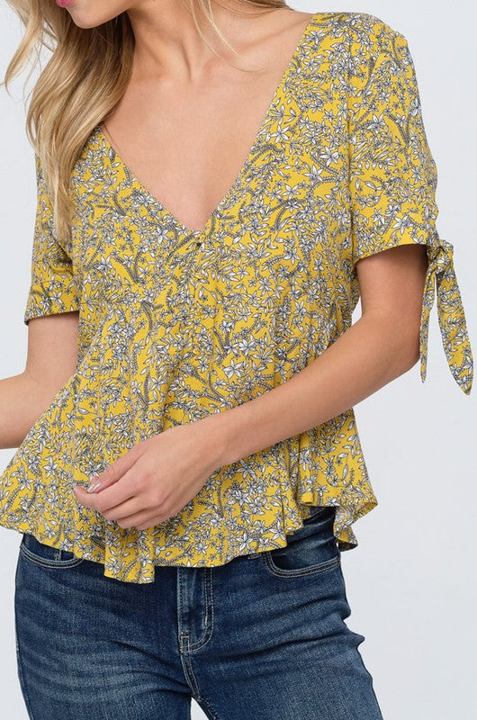 Canary V-Neck Blouse - Trunk Up