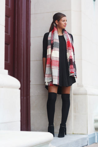 Red Plaid Scarf Trunk Up
