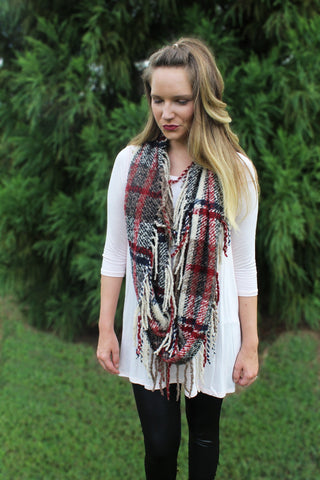Beige Plaid Circle Scarf Trunk Up