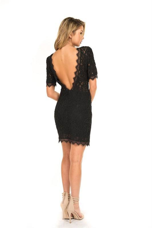 Low Back Lace Dress Trunk Up