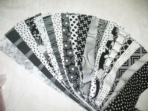 Black and White Strips Set 40 Strips
