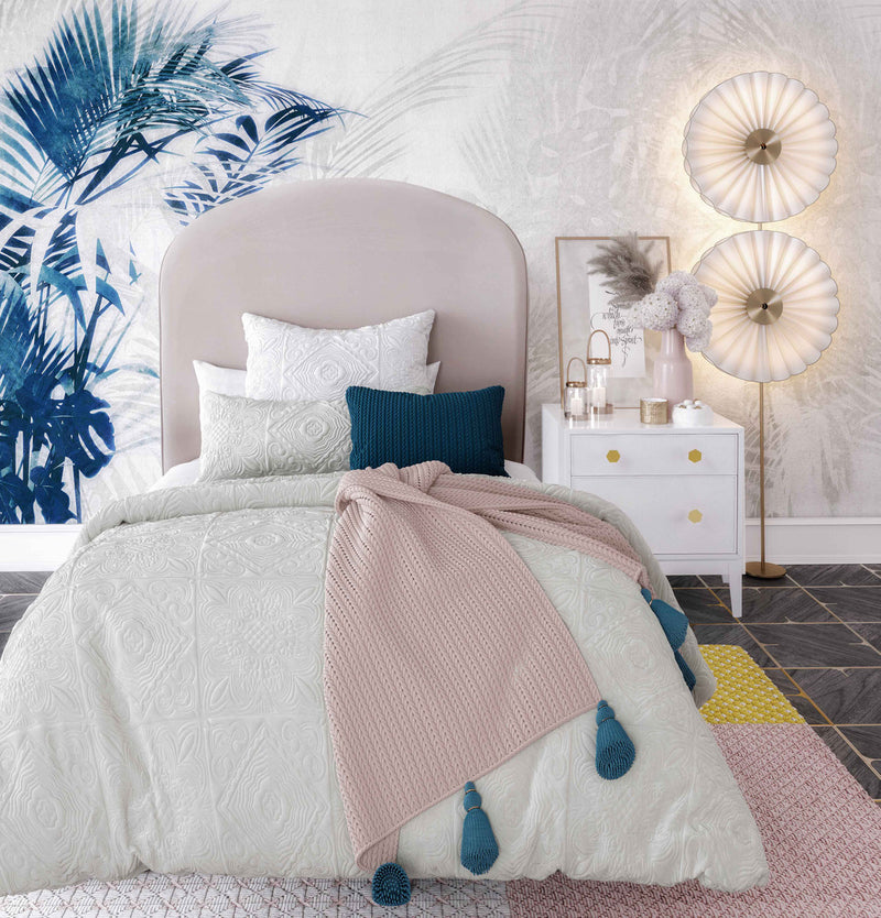 Vivi Blush Velvet Bed in Twin