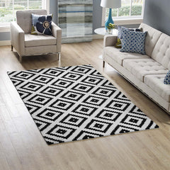Alika Abstract Diamond Trellis 5x8 Area Rug - Black and White