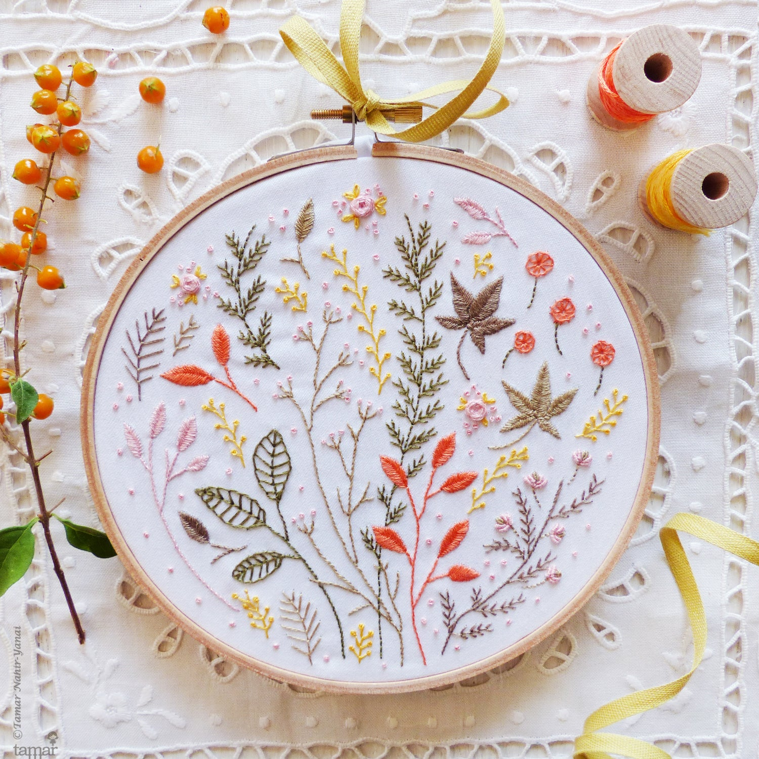 "Embroidery Kit : 6"" Autumn Leaves by Tamar Nahir Embroidery Kit - Snuggly Monkey"