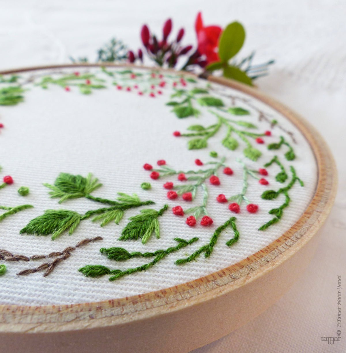 Tamar Nahir Embroidery Kit - Christmas Crown Embroidery Kit - Snuggly Monkey