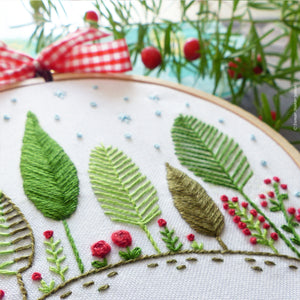 "Tamar Nahir Embroidery Kit - 4"" Christmas Forest"
