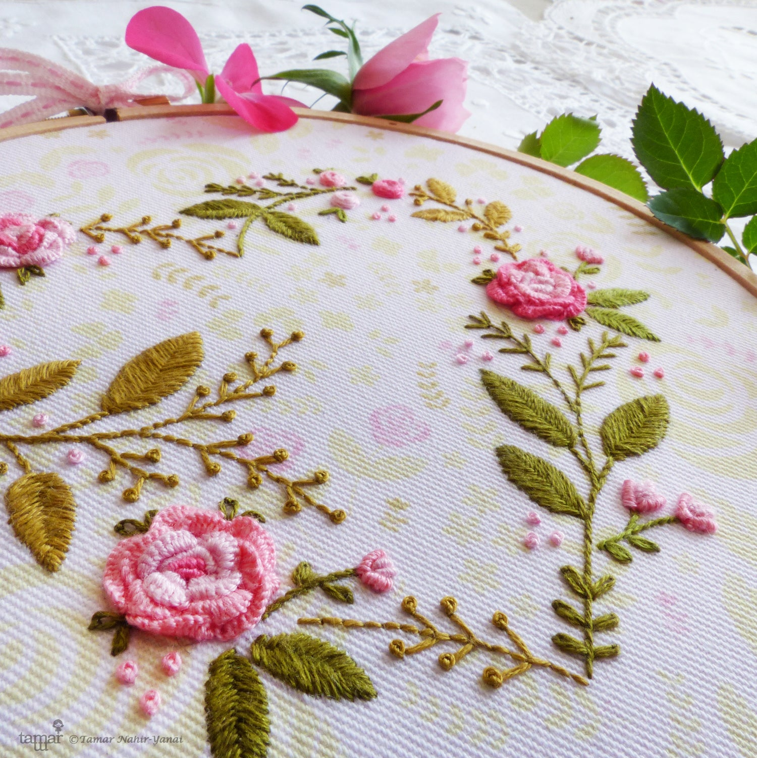 "Embroidery Kit : 6"" Flower Heart by Tamar Nahir Embroidery Kit - Snuggly Monkey"