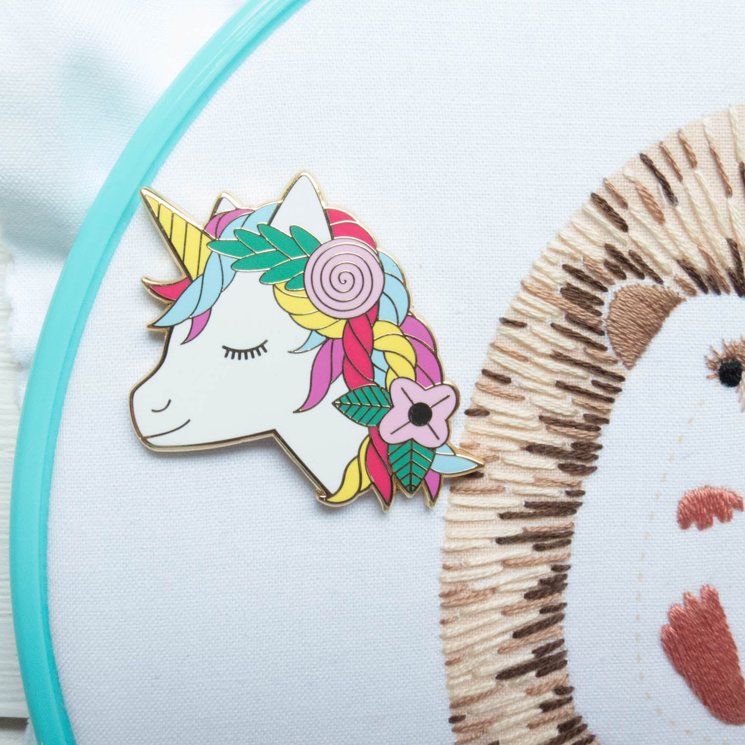 Unicorn Enamel Needle Minder Needle Minder - Snuggly Monkey