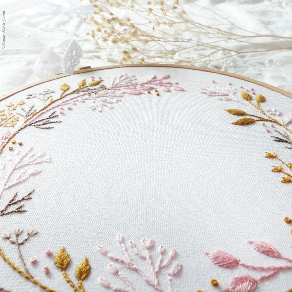 "Embroidery Kit : 6"" Wildflower Circle by Tamar Nahir"