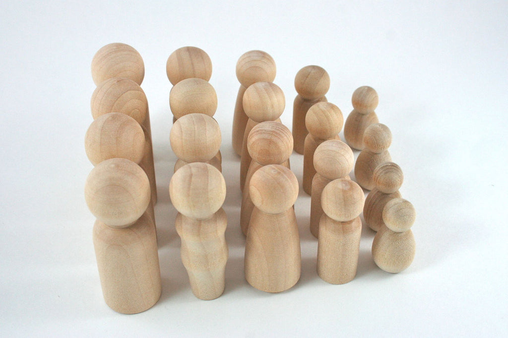 20 Wood Peg Dolls Set