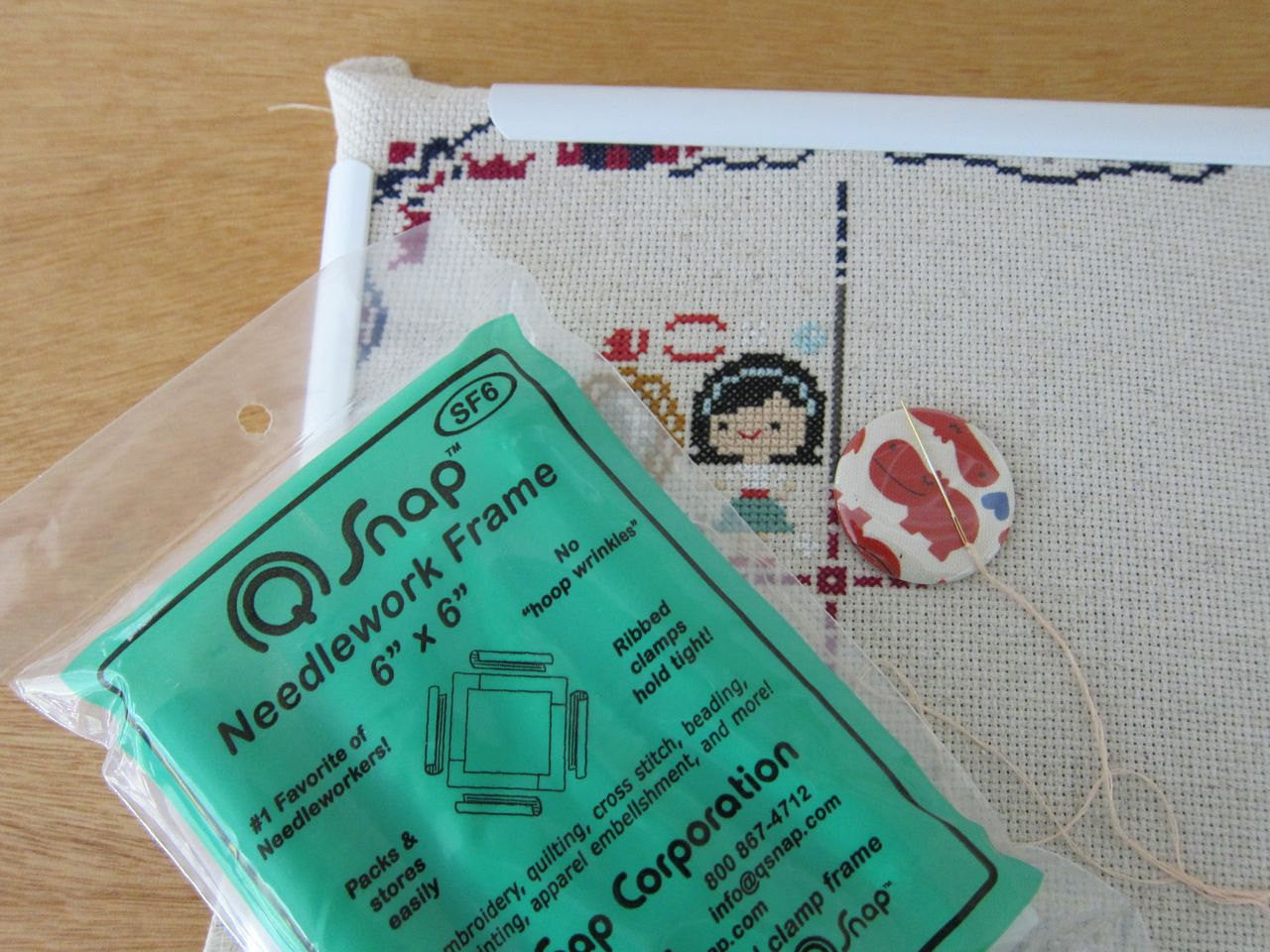 "6""x6"" Q-Snap Needlework Frame Tools - Snuggly Monkey"