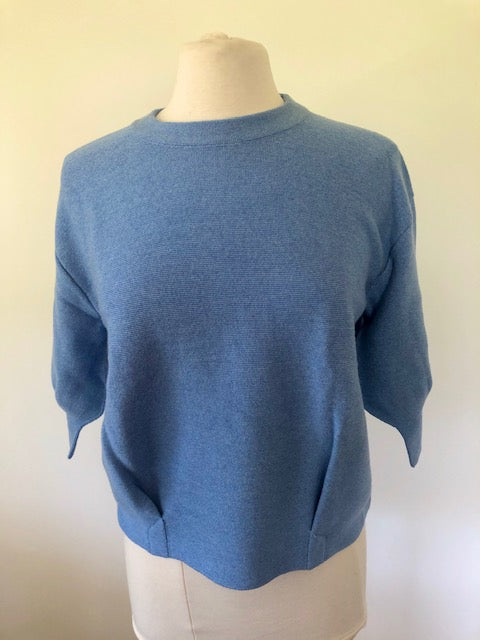 3/4 Tulip Sleeve Pleat Front Top - China Blue