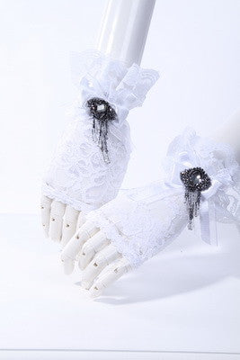 1017 Lace Jewel Gloves