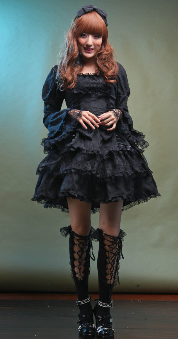 81131 Classic Gothic Lolita Dress with Bow