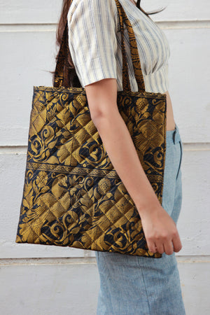 Zari Tote Quilted Bag