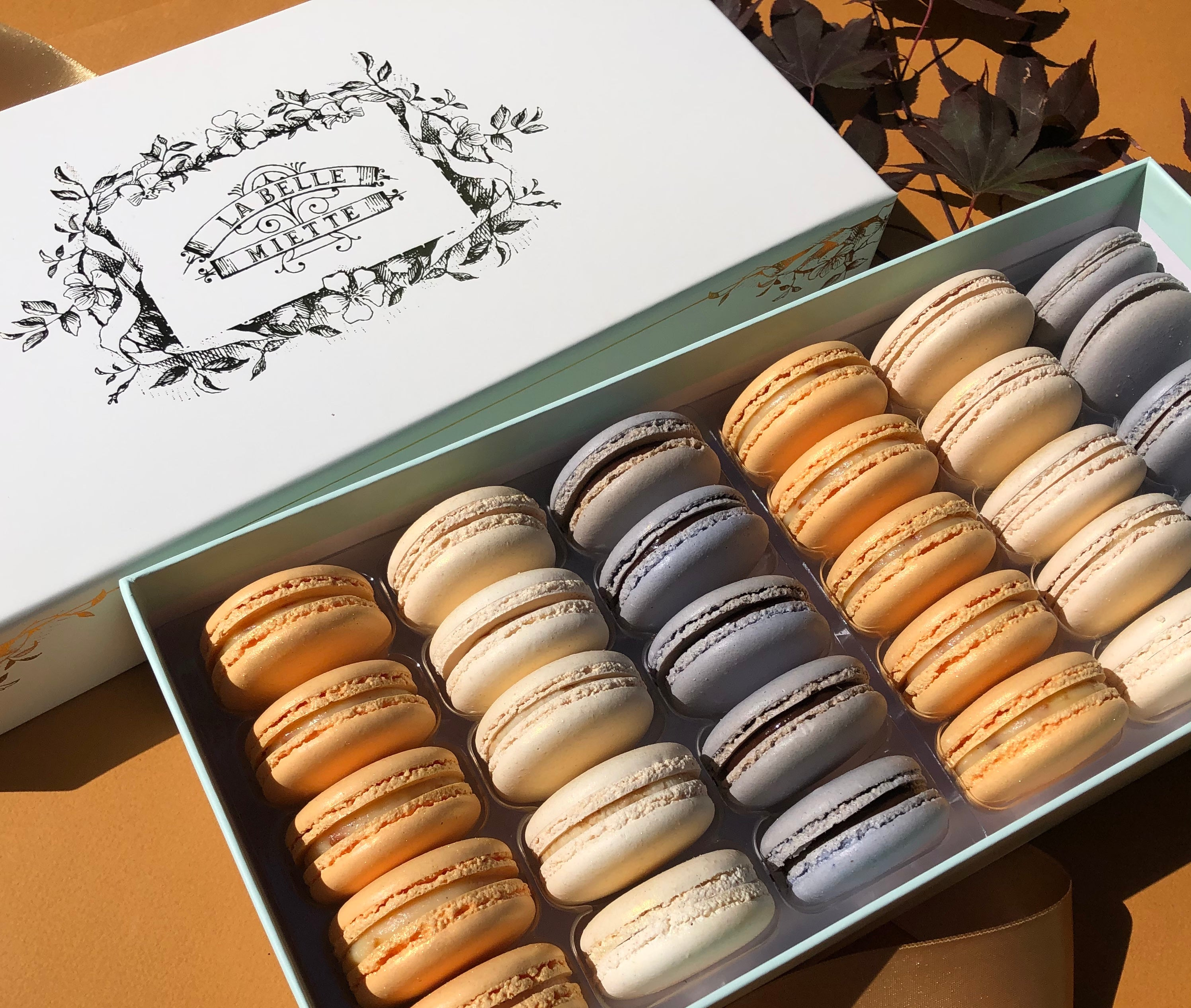 LUNAR NEW YEAR Macaron Selection – 30 piece gift box